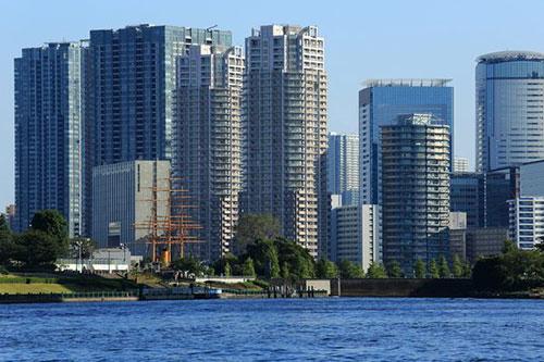豊洲のタワーマンションの画像